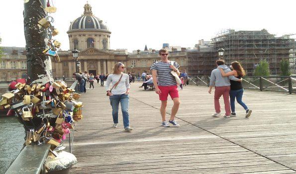 Ponte Des Arts; Kemana  Ribuan Keping Cinta itu?