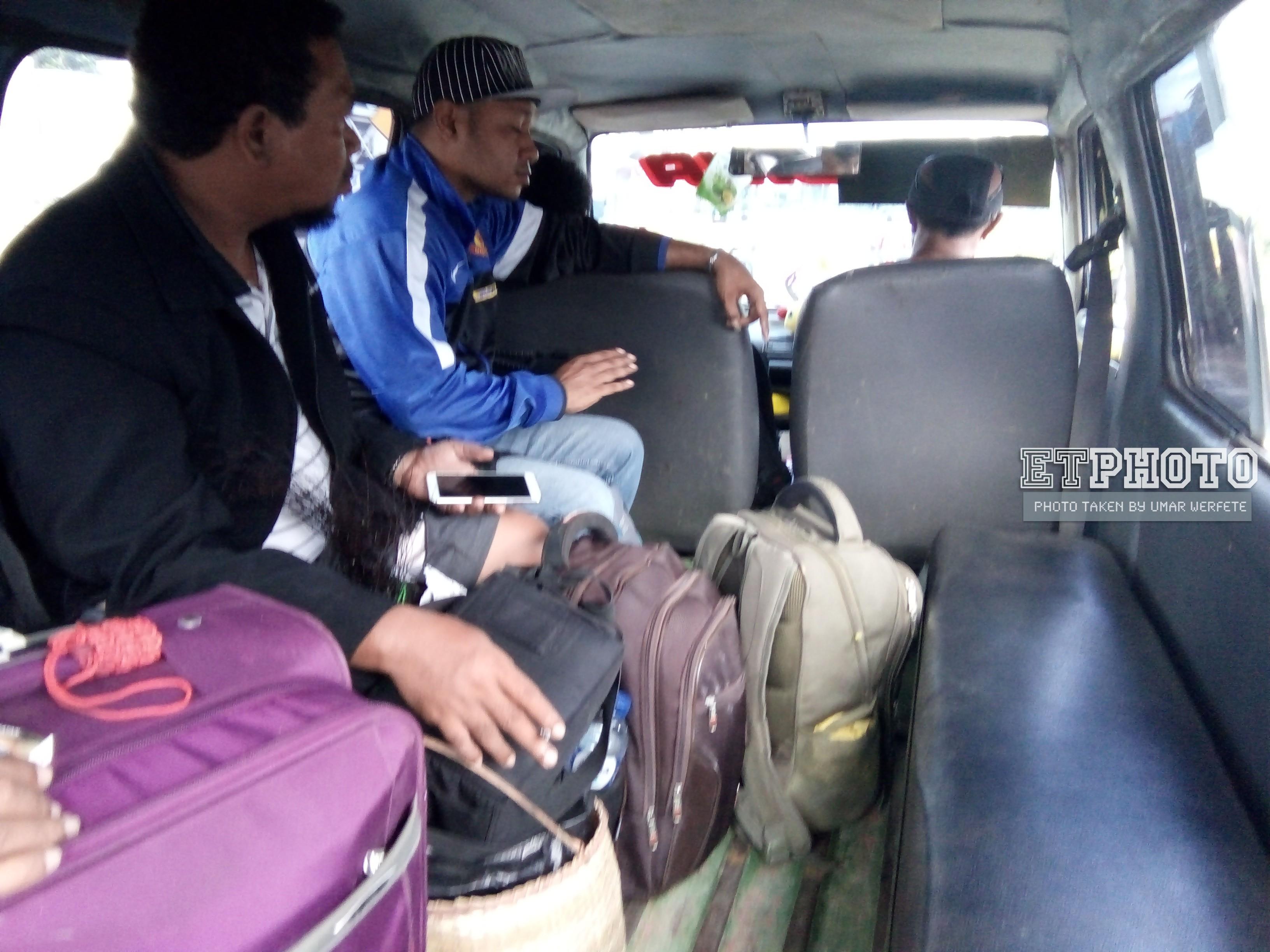 Menumpang Angkot dari Pelabuhan Arar SP3 Menuju Kota Sorong
